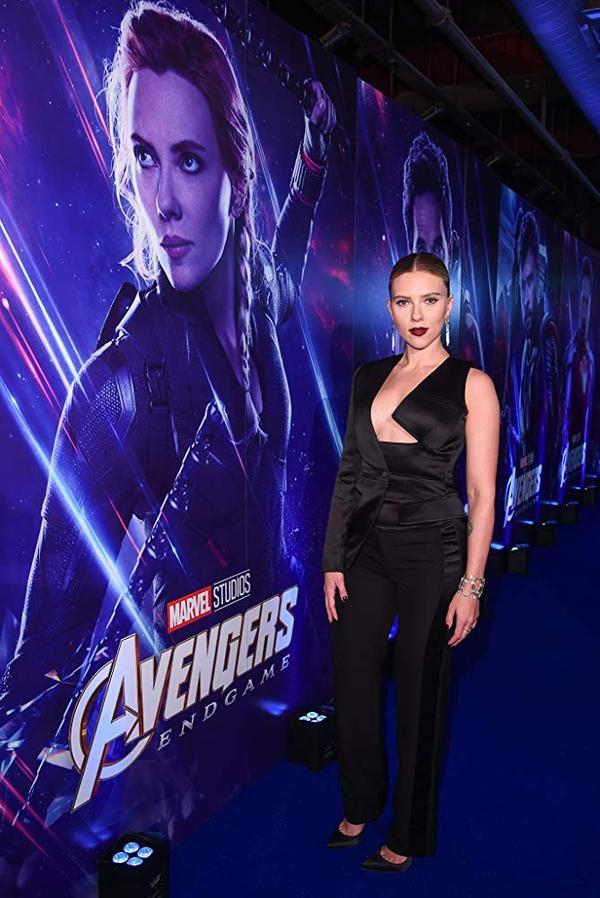 《黑寡妇》明年上映,Scarlett身兼女主角与制片【片酬2000万】强势回归