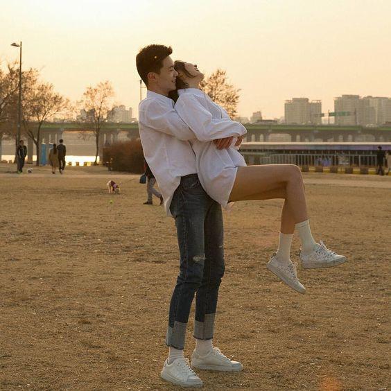 日本專家指出:抱抱可以舒緩疼痛