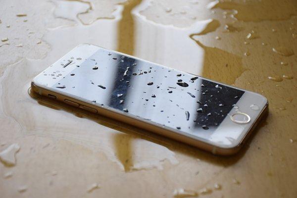 放手機應該朝上或朝下?大多數的人都不知道